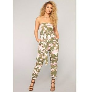 🎀 SALE 🎀 Camo Jumpsuit